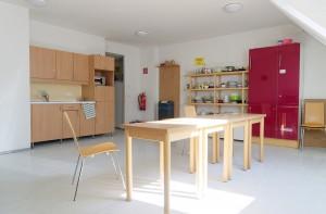 Studentenhaus-AAI-Aufenthaltsraum-Küche-4